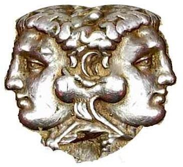 Janus el dios de loas dos caras observa nuestro cambio